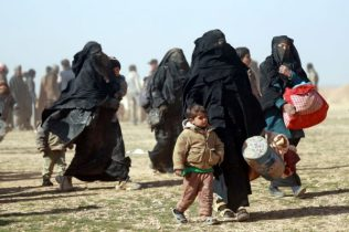 syriens-fuient-combats-entre-fds-daech-syrie-26-janvier_1_729_486-600x400